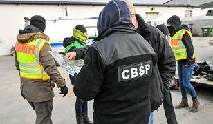 Ogromna akcja. Ponad 150 policjantów z Polski i Niemiec rozbiło gang złodziei samochodów
