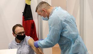 Śląskie. Ruszyły masowe szczepienia w Pszczynie. Wciąż duży procent zajętych respiratorów