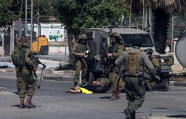 Izraelczycy zastrzelili palestyńskiego nożownika przebranego za dziennikarza