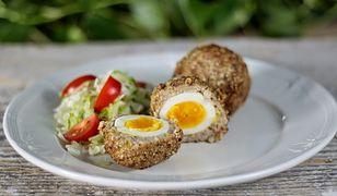 Kotlety drobiowe z jajkiem. Obiad po szkocku