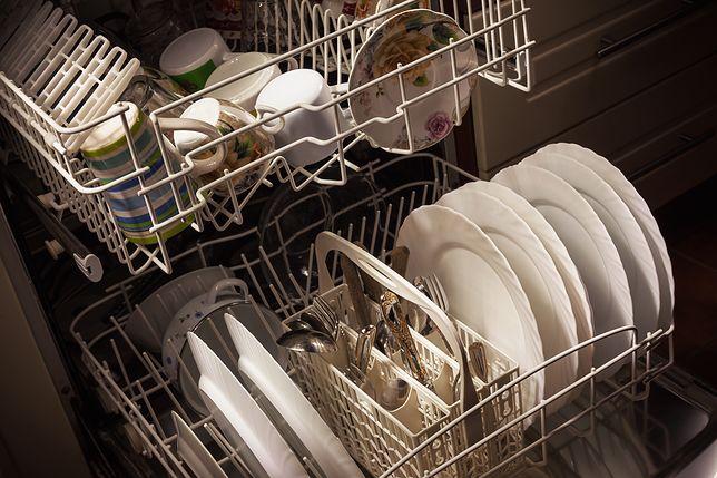 Jak wyczyścić zmywarkę? Domowe sposoby