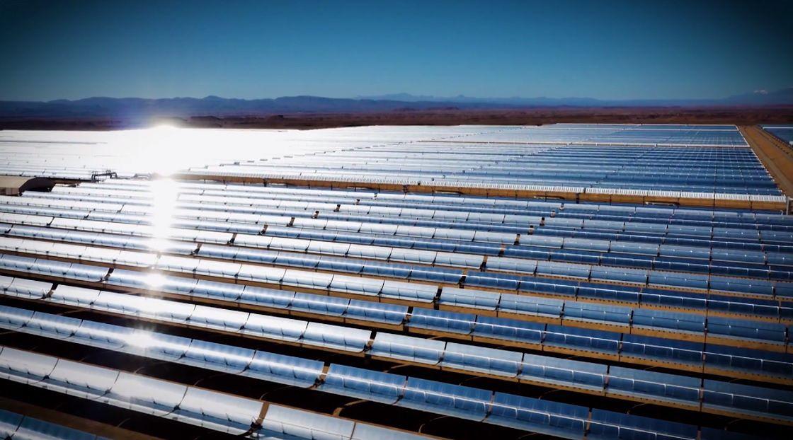 Największa elektrownia słoneczna na świecie. Pracuje nawet nocą