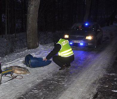 Ciągnął dzieci na lince za samochodem. Zmarła jego córka. Teraz usłyszał zarzuty
