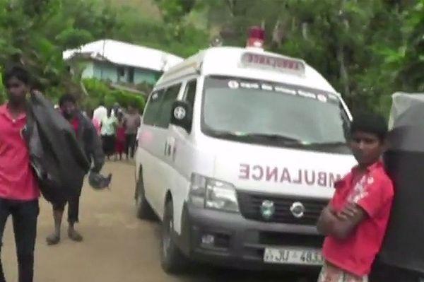 Około stu osób zginęło w lawinie błotnej po deszczach na Sri Lance