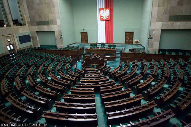 Zgodnie z najnowszym sondażem Kantar Public do Sejmu weszłoby pięć ugrupowań