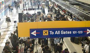 Wielu ludzi koczuje na brytyjskich lotniskach