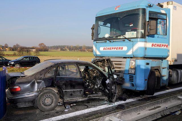 Tragiczny wypadek na autostradzie A1. Zginęły trzy osoby