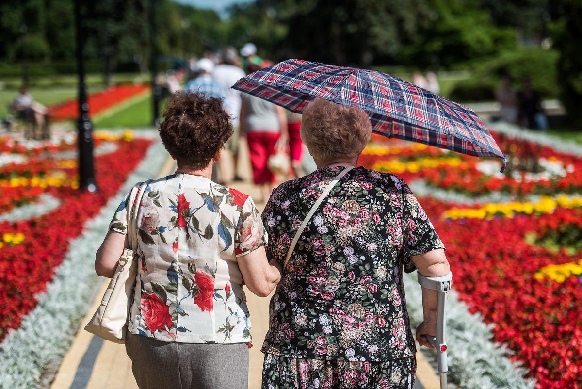 Niskie emerytury to problem wszystkich. Ale kobiety muszą być zapobiegliwe podwójnie