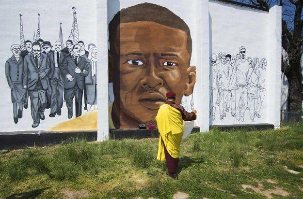 Mural upamiętniający Freddiego Graya