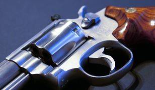 Policja wydaje rekordową liczbę pozwoleń na broń