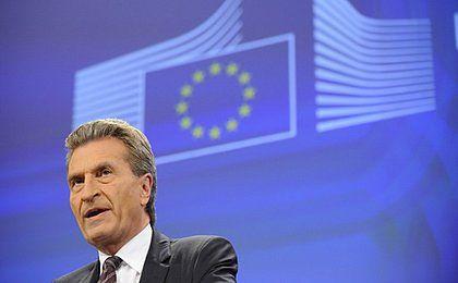 Oettinger: UE może pomóc Ukrainie zapłacić rachunki za gaz