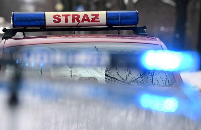 Ewakuacja jednego z budynków na osiedlu Tysiąclecia w Katowicach