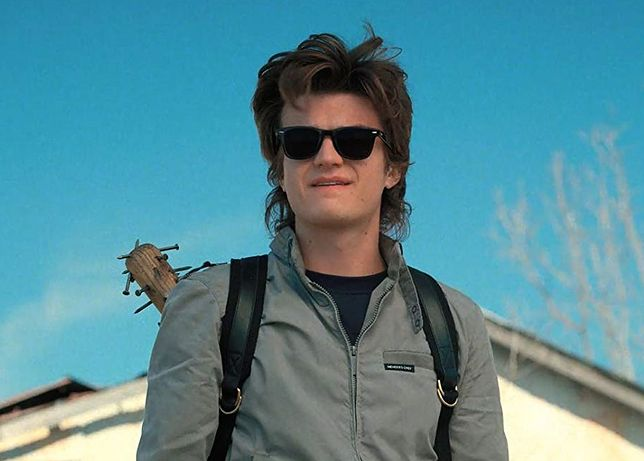 "Joe Keery jako Steve w drugim sezonie ""Stranger Things"""