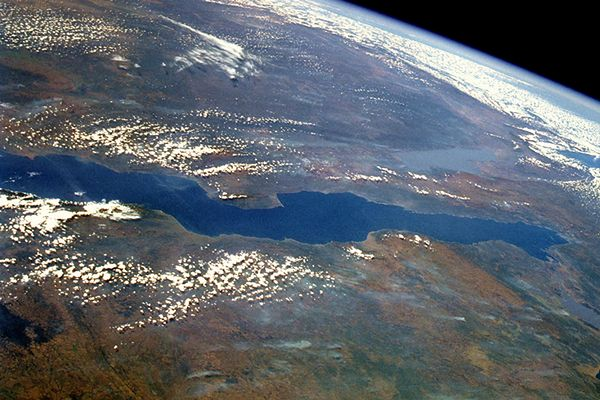 Jezioro Tanganika widziane z kosmosu