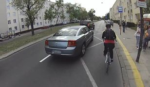 Rowerzysta kontra kierowca: nowe przepisy, śluzy rowerowe