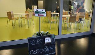 Rezydenci prowadzą głodówkę w warszawskim Dziecięcym Szpitalu Klinicznym