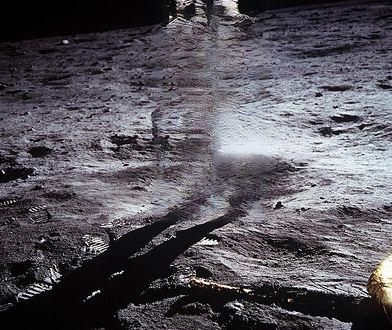 Buzz Aldrin był na Księżycu - pozostał tylko jego cień i rozmazane tło