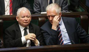 Jarosław Gowin rozmawiający w Sejmie z Jarosławem Kaczyńskim. Czy nadal będą w tej samej koalicji?