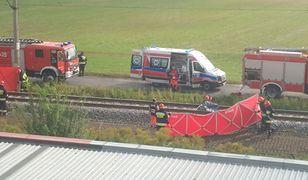 Miejsce wypadku widziane z okna bloku przy ul. Kolejowej w Gostyninie