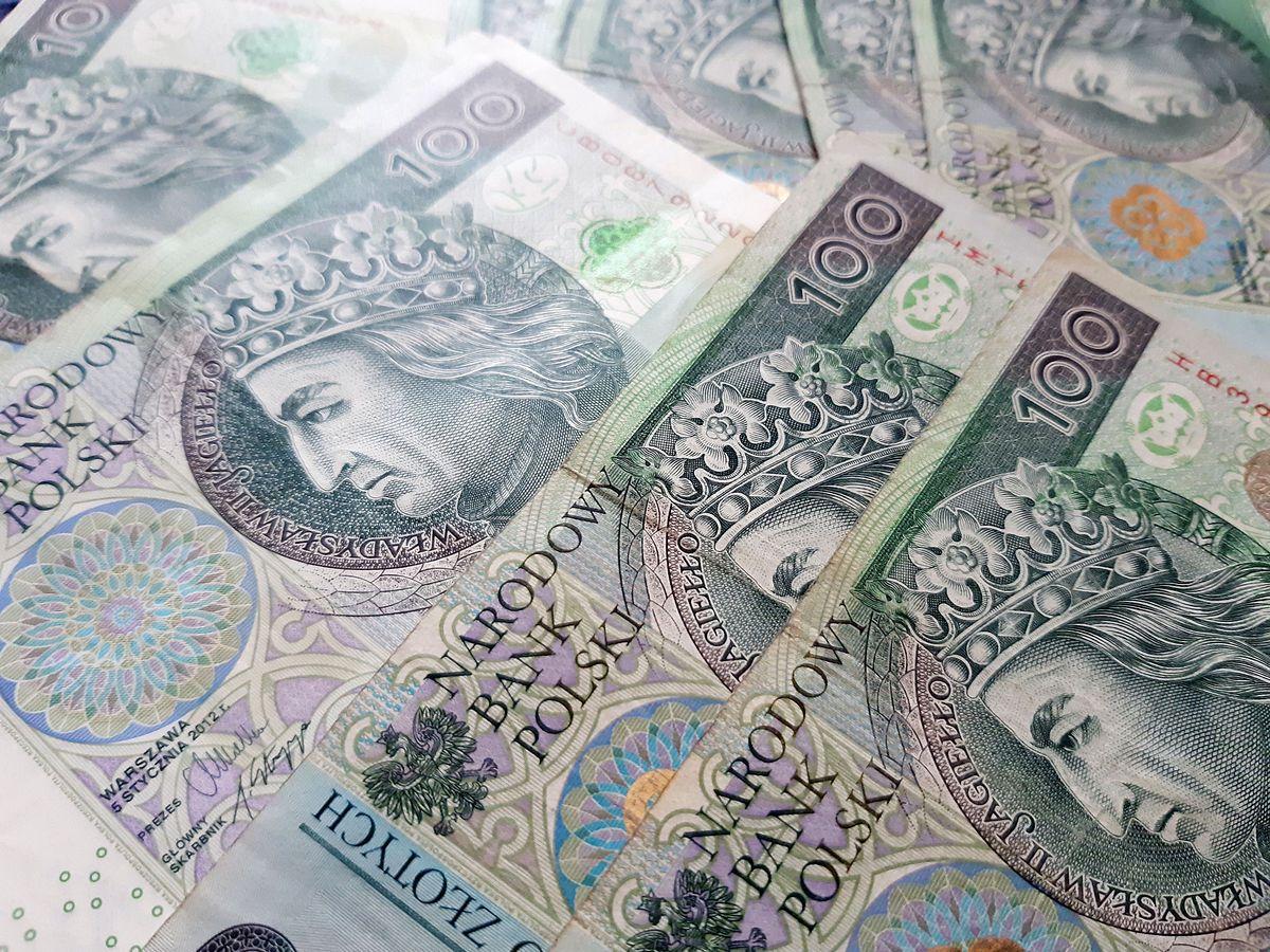 Kobieta spłaciła ponad 800 tys. zł zaległego podatku