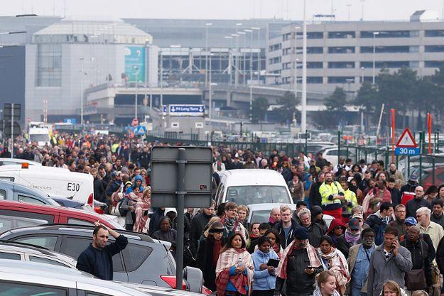 Ewakuacja lotniska po wybuchach