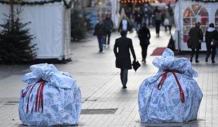 Zamaskowane bloki betonu chronią jarmark świąteczny przed terrorystami w niemieckim mieście Bochum