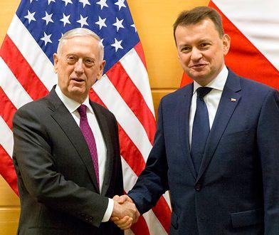 Mariusz Błaszczak, minister obrony narodowej (P) i James Mattis, sekretarz obrony Stanów Zjednoczonych (L)