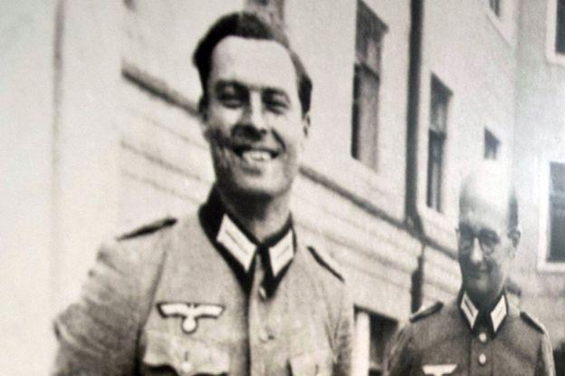 Kontrowersje wokół wizyty Komorowskiego w Berlinie. Uczcił pamięć nazisty?