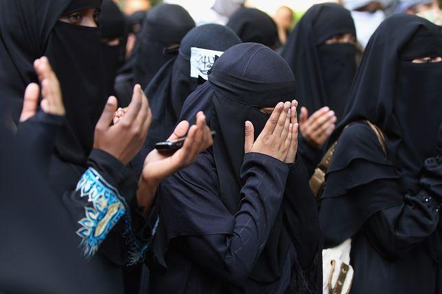 Urzędnicy oddali dziecko do muzułmańskich rodzin. Przeżyło tam horror