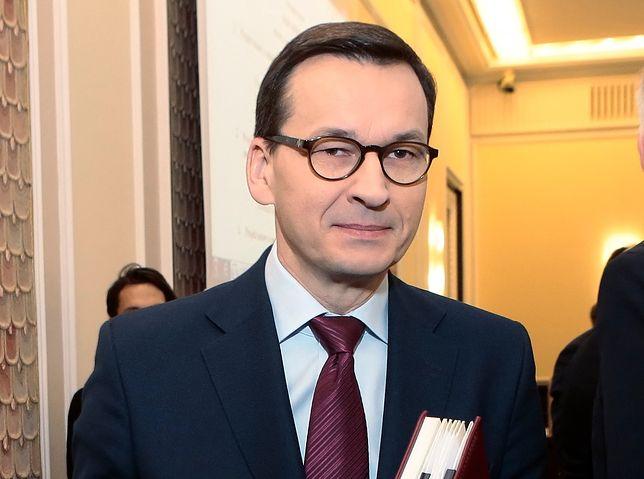 """Nauczyciel Paweł Lęcki zwrócił się do Mateusza Morawieckiego. """"Twój Prezes sam łaził po grobach swoich bliskich, gdy Polacy nie mogli"""""""