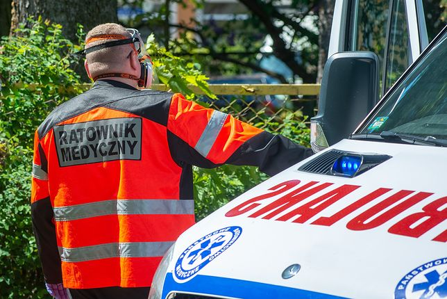 Śląskie. Bielskie Pogotowie Ratunkowe spotkało się z hejtem za to, że przekazało ambulans szpitalowi na Ukrainie.
