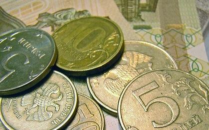 Rosyjska waluta wciąż na równi pochyłej