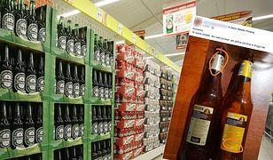 To samo piwo w dwóch różnych butelkach. Winne... sieci handlowe