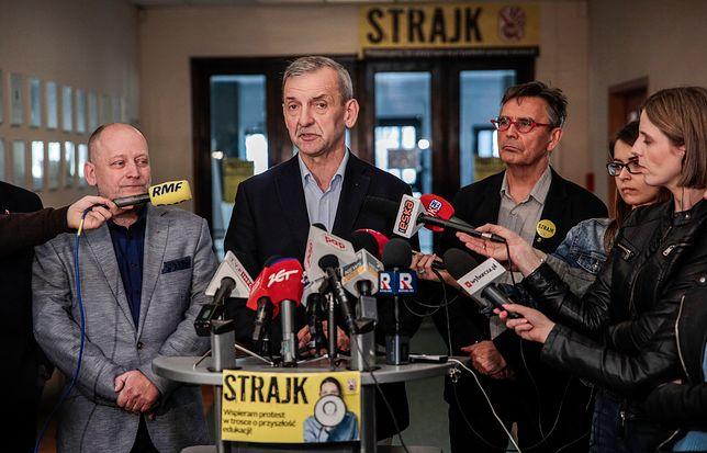 Strajk nauczycieli 2019 odroczony, ale nie na długo