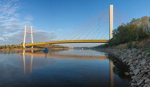 Skoczył z mostu do Wisły w Warszawie. Udało się go wyłowić