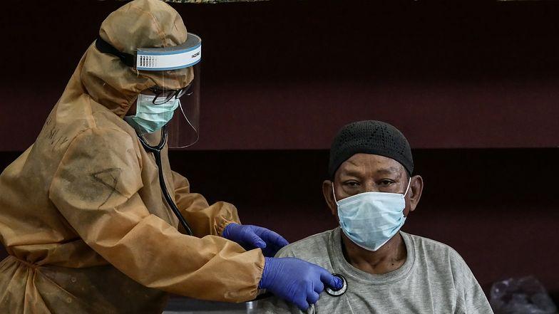 Naukowcy przewidują trzy scenariusze przebiegu pandemii