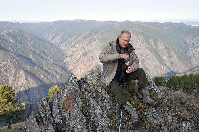 """""""Bardzo ludzki człowiek"""". Desperacka próba ocieplenia wizerunku Putina"""