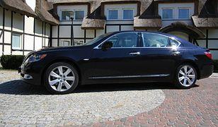 Raj prezesa: Lexus na baterie
