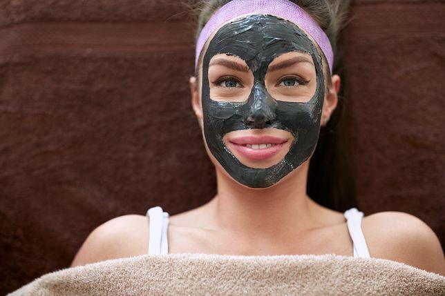 Maseczka do twarzy skutecznie uzupełni codzienną pielęgnację.