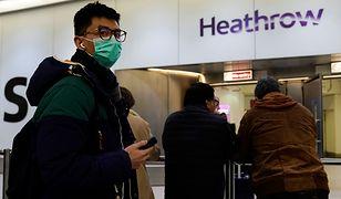 Wirus coraz groźniejszy. Pasażerowie z Chin po przylocie do Londynu