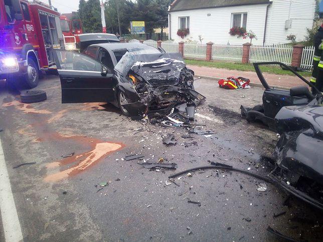 Dwa samochody zderzyły się w Pawłowie w świętokrzyskim