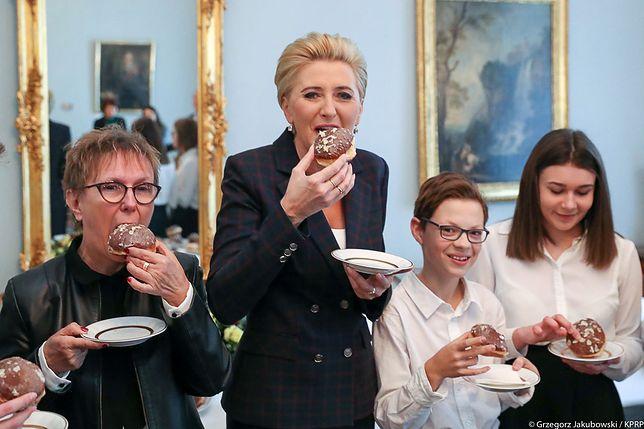 Pierwsza Dama Agata Kornhauser-Duda w towarzystwie gości