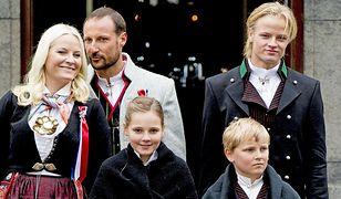 Mette-Marit ma trójkę dzieci. Najstarszy syn pochodzi z poprzedniego związku