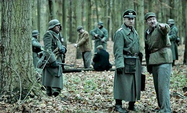 Robert Więckiewicz (po prawej) w brytyjskim filmie o Katyniu miał niewdzięczne zadanie