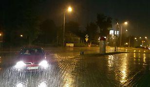 Gwałtowne opady deszczu zmierzają na Wschód