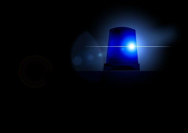 Śląskie. Policjanci z będzińskiej drogówki pilotowali samochód z rodzącą kobietą do szpitala w Zabrzu.