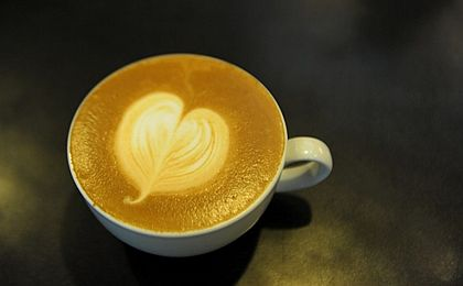 Rośnie popularność kawy ziarnistej, ale Polacy są wierni tradycyjnym markom kawy mielonej