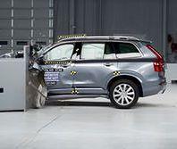Volvo XC90 zwycięzcą testu zderzeniowego IIHS