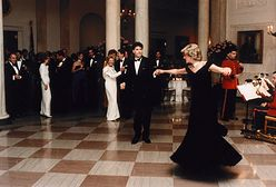 Kreacja księżnej Diany została sprzedana za 1,5 miliona złotych. Tańczyła w niej z Johnem Travoltą