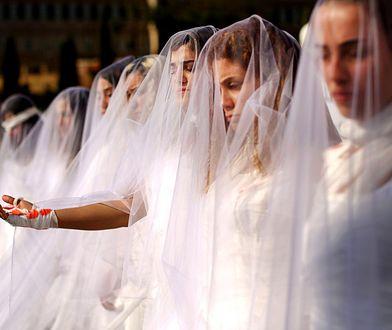 Mają po 12, 15 lat. Po gwałcie musiały poślubić oprawcę. Liban w końcu zmienia prawo